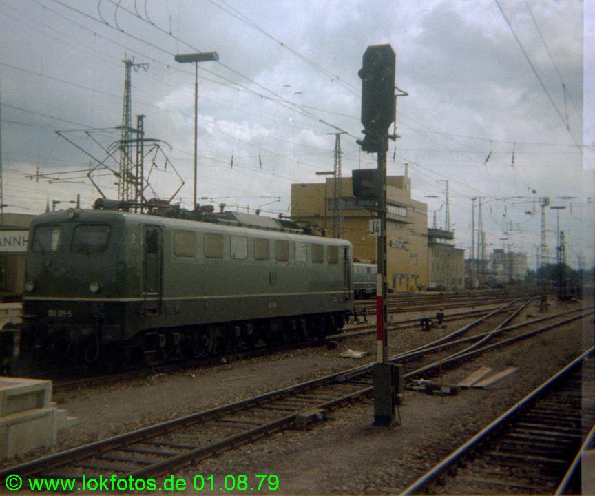http://www.lokfotos.de/fotos/1979/0801/00106.jpg