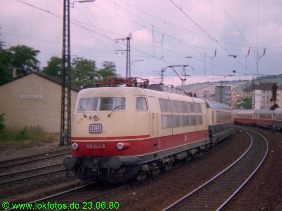 http://www.lokfotos.de/fotos/1980/0623/00232.jpg