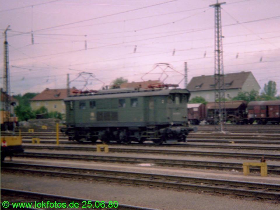 http://www.lokfotos.de/fotos/1980/0625/00249.jpg