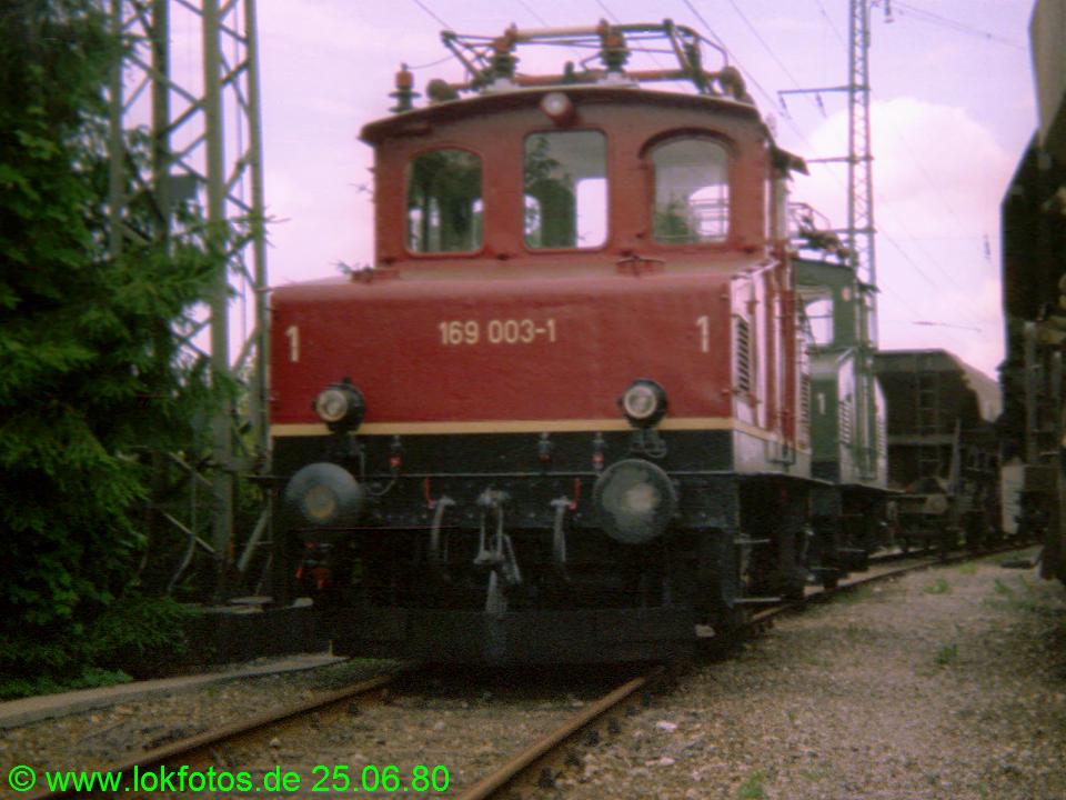 http://www.lokfotos.de/fotos/1980/0625/00253.jpg