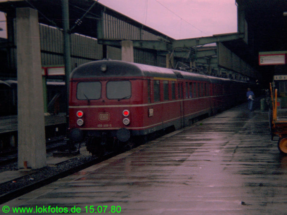 http://www.lokfotos.de/fotos/1980/0715/00312.jpg