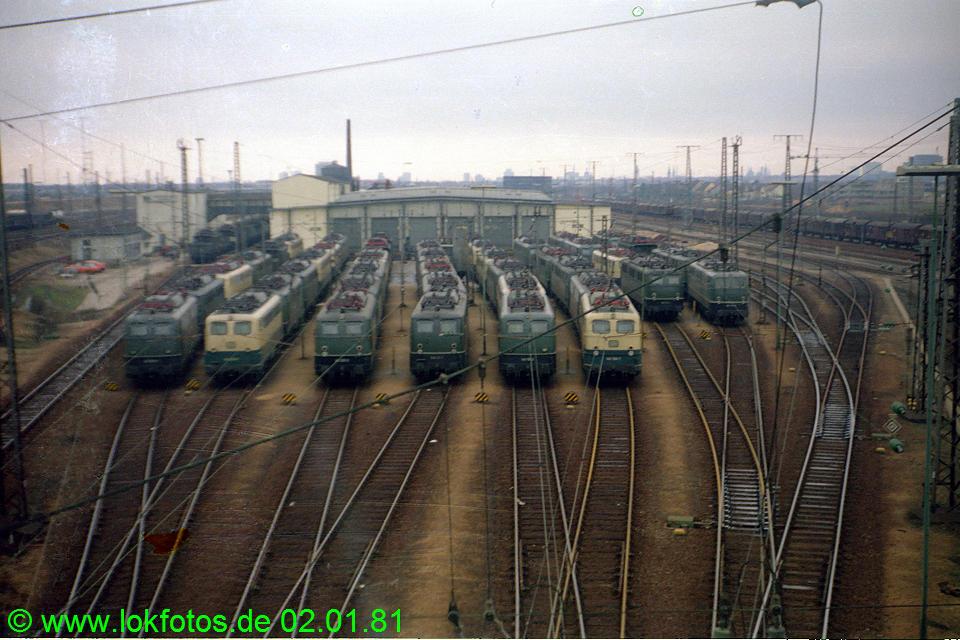http://www.lokfotos.de/fotos/1981/0102/00367.jpg