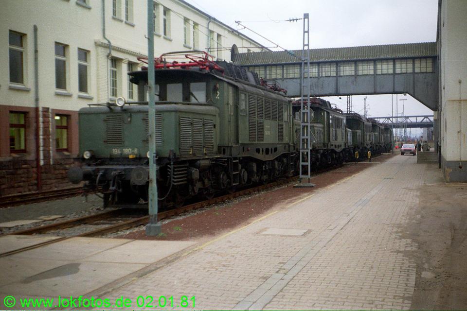 http://www.lokfotos.de/fotos/1981/0102/00368.jpg