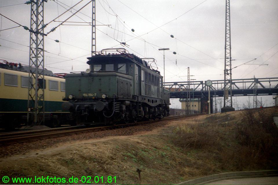 http://www.lokfotos.de/fotos/1981/0102/00375.jpg
