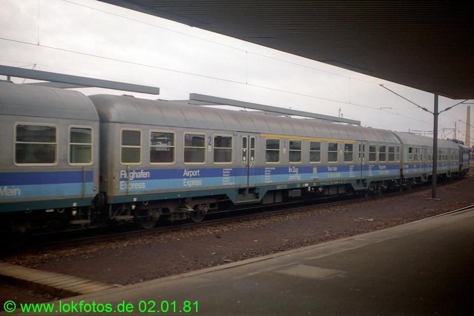 http://www.lokfotos.de/fotos/1981/0102/00380.jpg