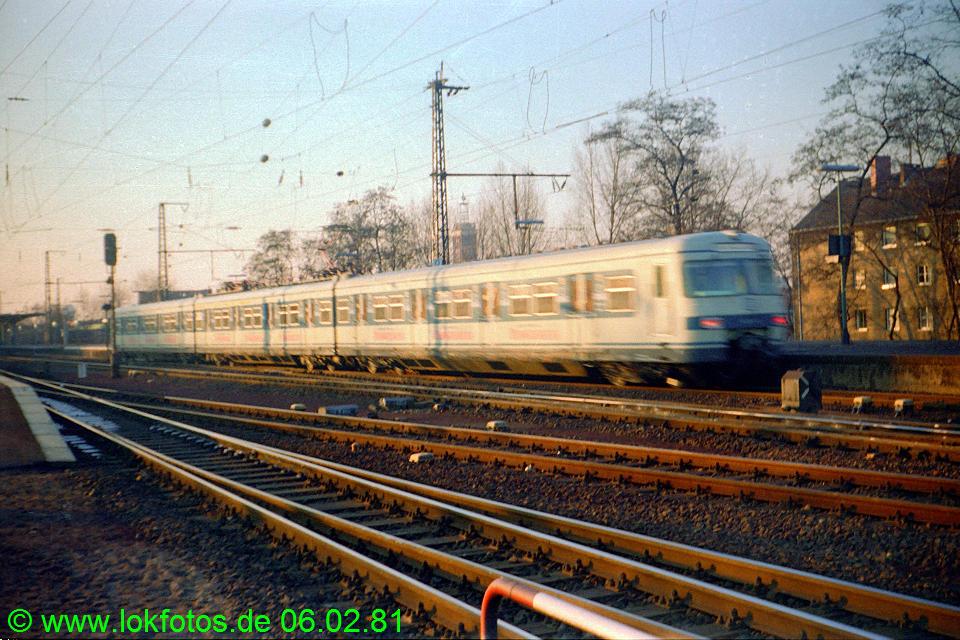 http://www.lokfotos.de/fotos/1981/0206/00399.jpg