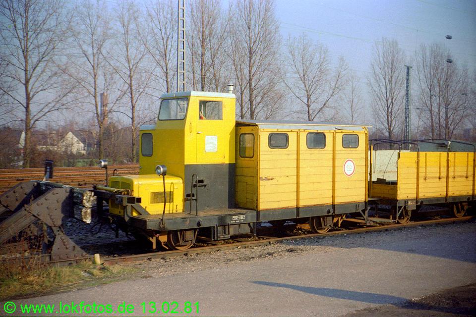 http://www.lokfotos.de/fotos/1981/0213/00405.jpg