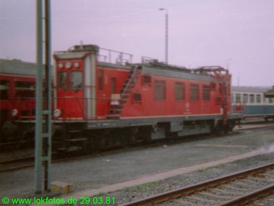 http://www.lokfotos.de/fotos/1981/0329/00435.jpg