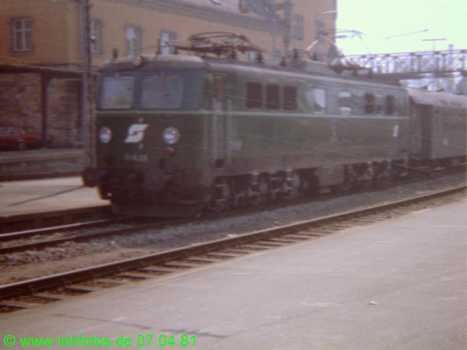 http://www.lokfotos.de/fotos/1981/0407/00447.jpg