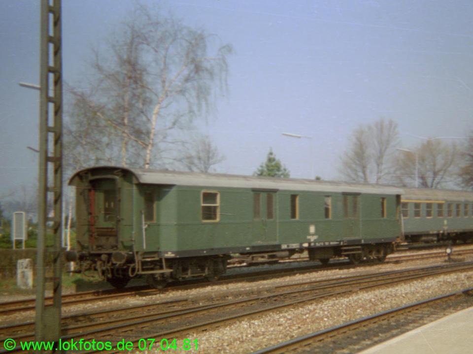 http://www.lokfotos.de/fotos/1981/0407/00449.jpg