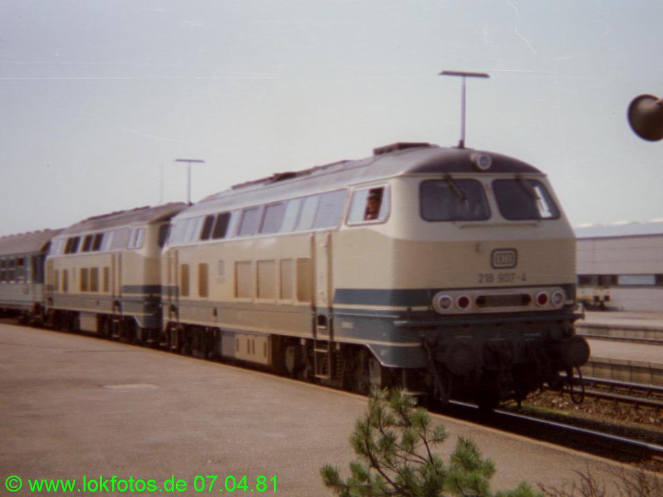 http://www.lokfotos.de/fotos/1981/0407/00450.jpg