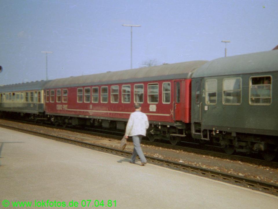 http://www.lokfotos.de/fotos/1981/0407/00453.jpg