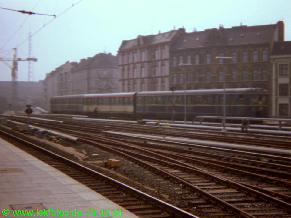 http://www.lokfotos.de/fotos/1981/0408/00480.jpg