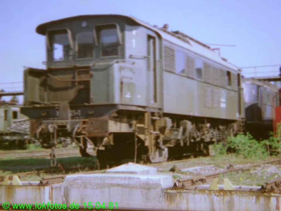 http://www.lokfotos.de/fotos/1981/0415/00517.jpg