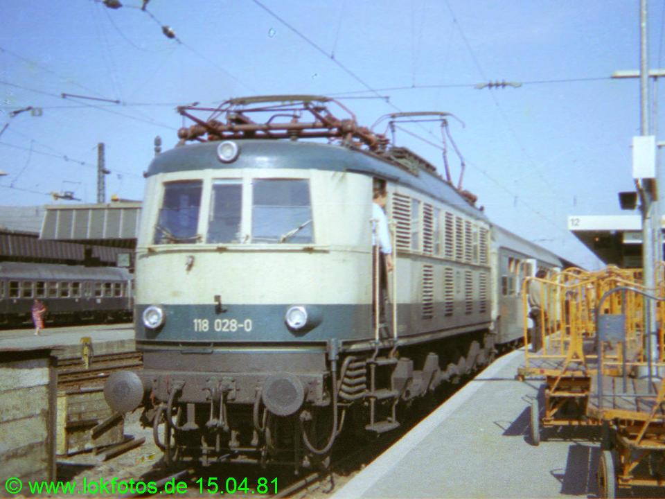 http://www.lokfotos.de/fotos/1981/0415/00529.jpg