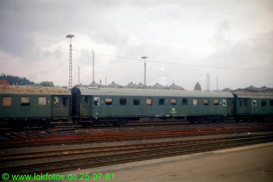 http://www.lokfotos.de/fotos/1981/0725/00593.jpg