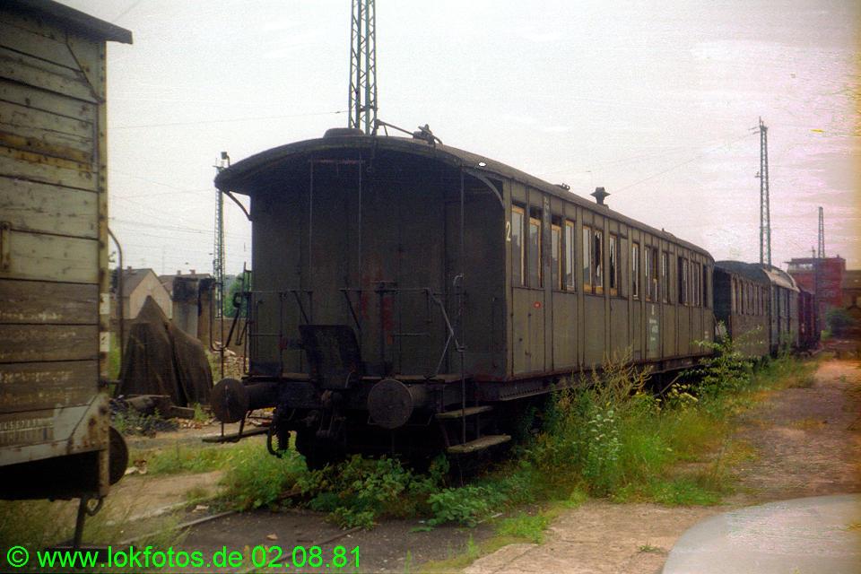 http://www.lokfotos.de/fotos/1981/0802/00668.jpg
