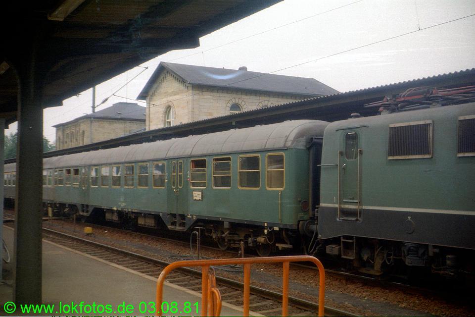 http://www.lokfotos.de/fotos/1981/0803/00671.jpg