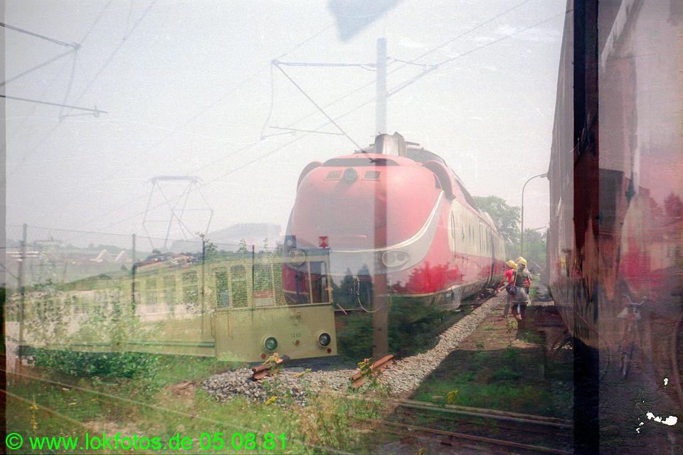http://www.lokfotos.de/fotos/1981/0805/00692.jpg