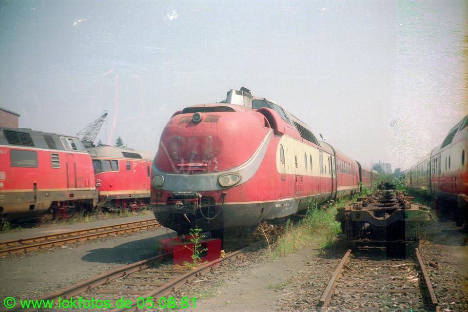 http://www.lokfotos.de/fotos/1981/0805/00700.jpg