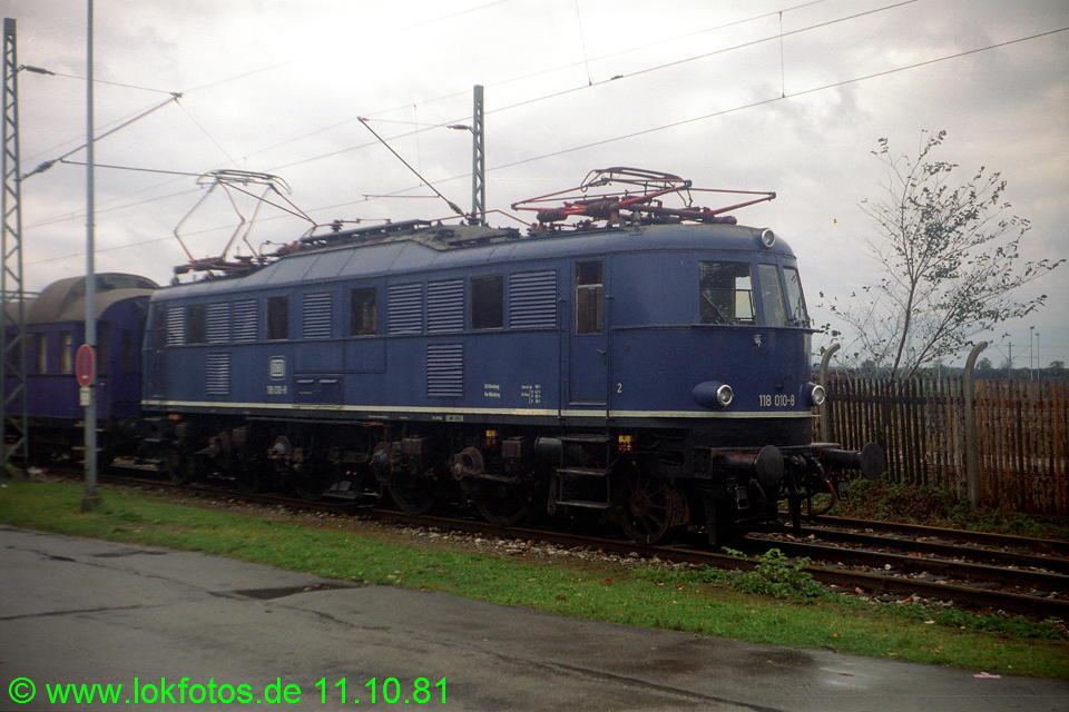 http://www.lokfotos.de/fotos/1981/1011/00813.jpg