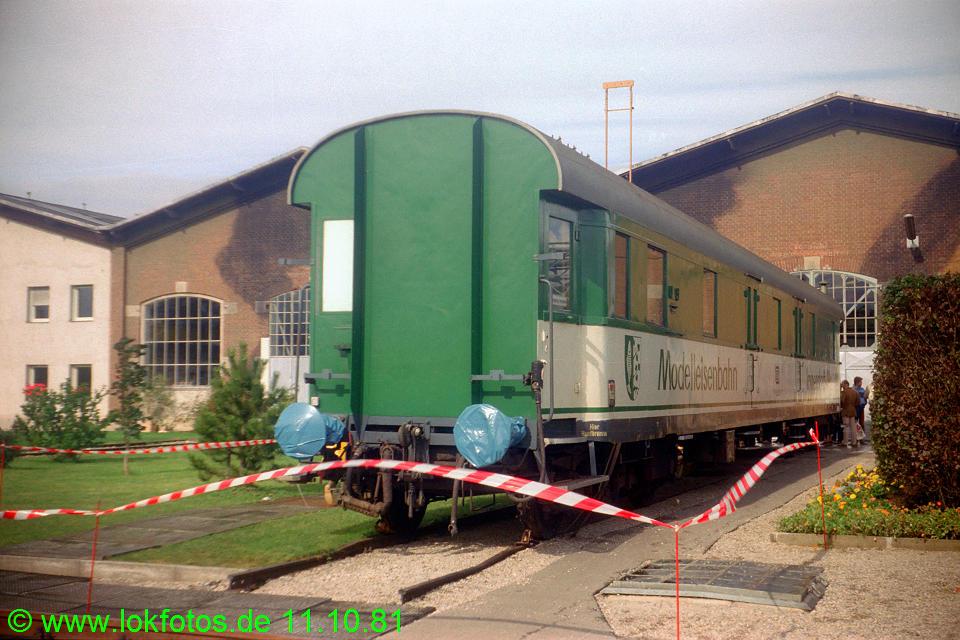 http://www.lokfotos.de/fotos/1981/1011/00828.jpg