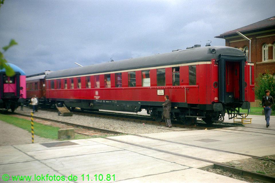 http://www.lokfotos.de/fotos/1981/1011/00840.jpg