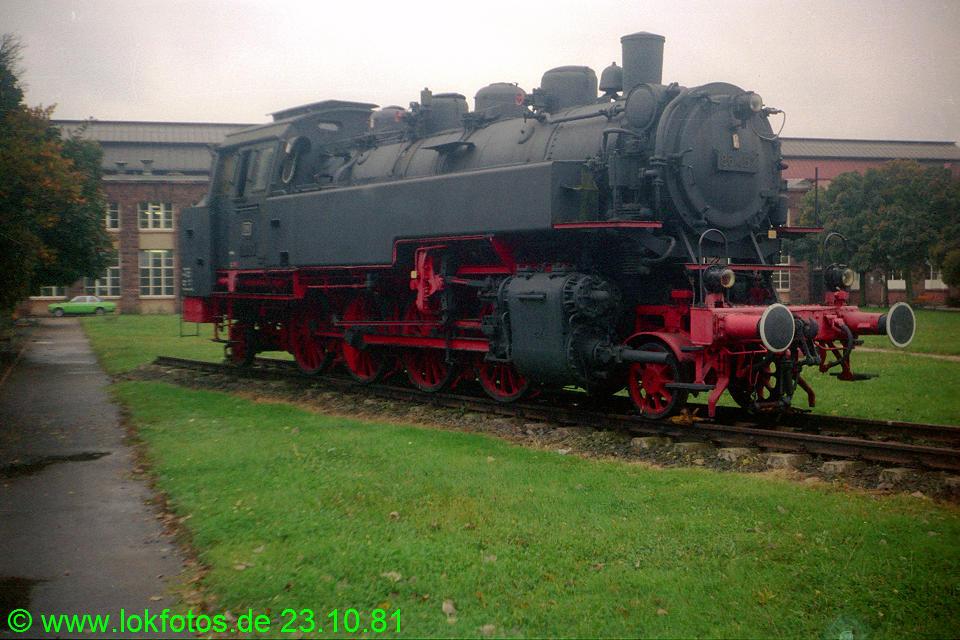 http://www.lokfotos.de/fotos/1981/1023/00870.jpg