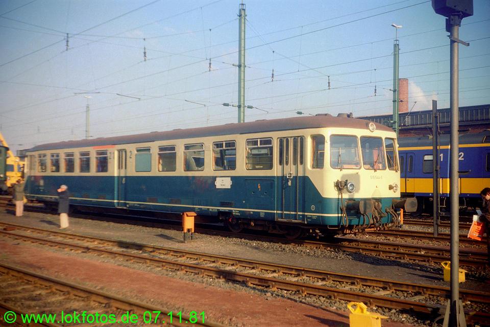 http://www.lokfotos.de/fotos/1981/1107/00897.jpg