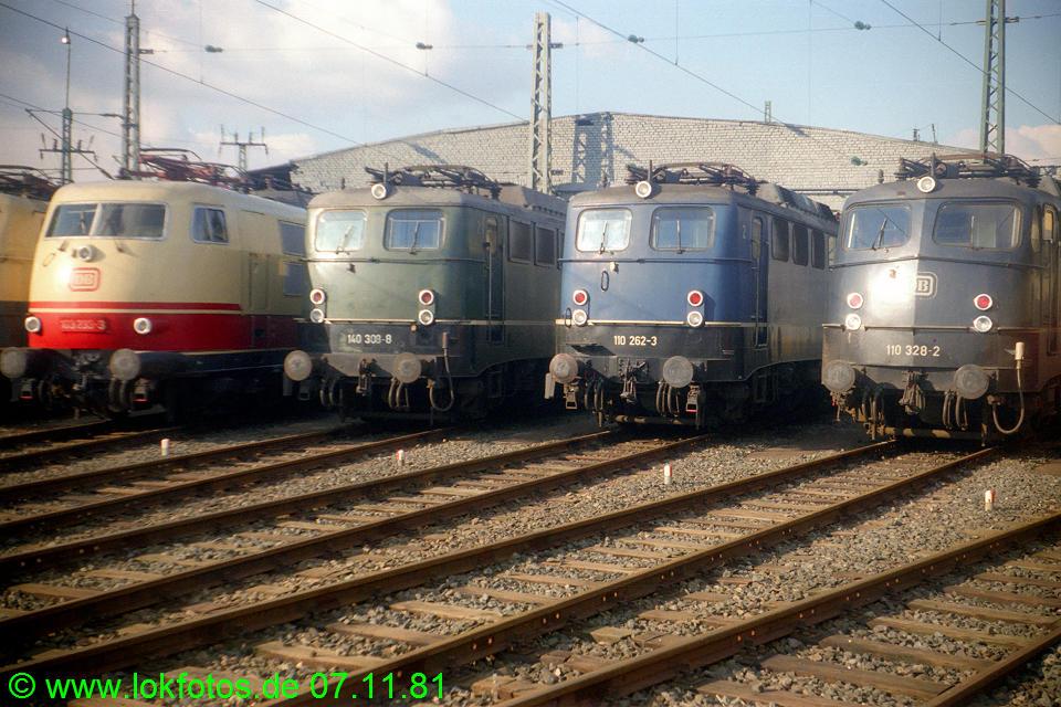 http://www.lokfotos.de/fotos/1981/1107/00918.jpg