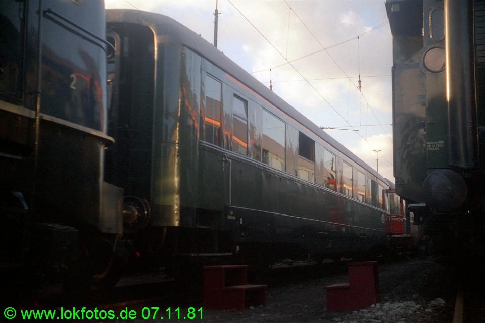 http://www.lokfotos.de/fotos/1981/1107/00922.jpg