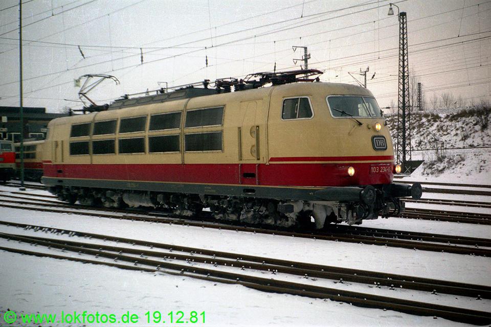 http://www.lokfotos.de/fotos/1981/1219/00952.jpg