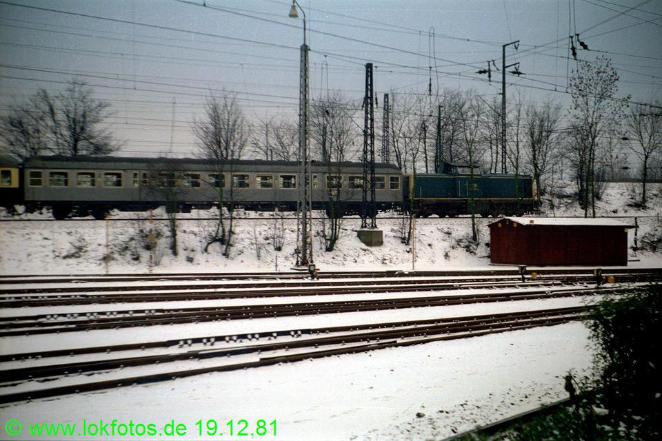 http://www.lokfotos.de/fotos/1981/1219/00953.jpg