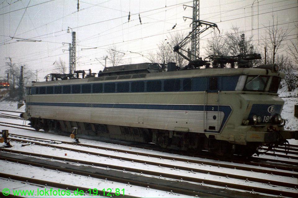 http://www.lokfotos.de/fotos/1981/1219/00955.jpg