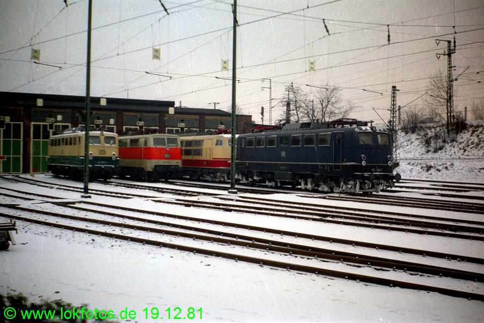 http://www.lokfotos.de/fotos/1981/1219/00956.jpg