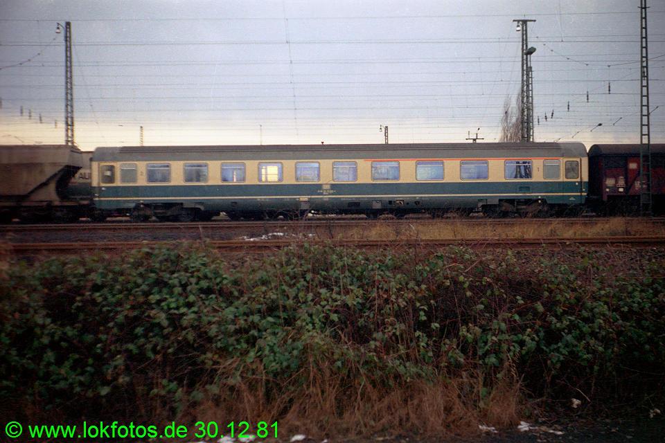 http://www.lokfotos.de/fotos/1981/1230/00961.jpg