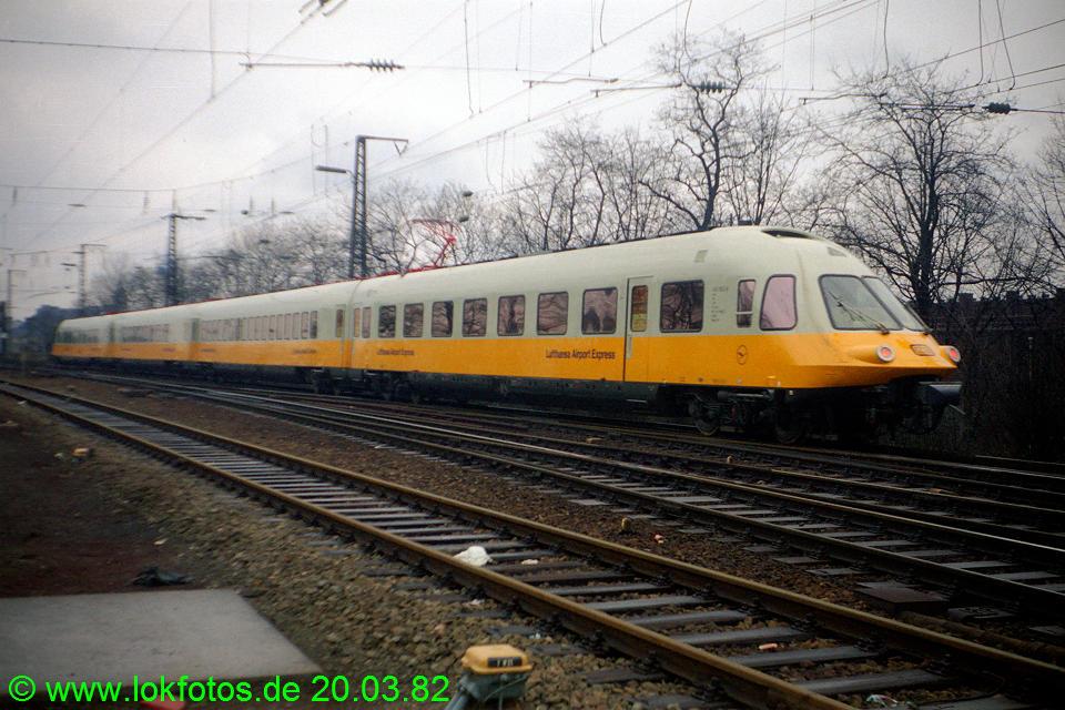 http://www.lokfotos.de/fotos/1982/0320/01071.jpg