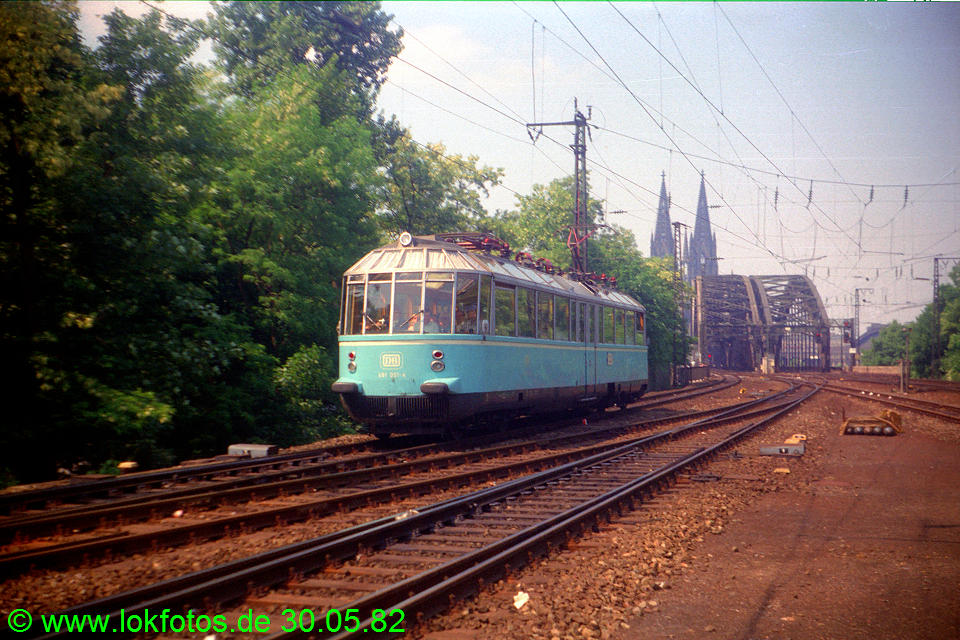 http://www.lokfotos.de/fotos/1982/0530/01262.jpg