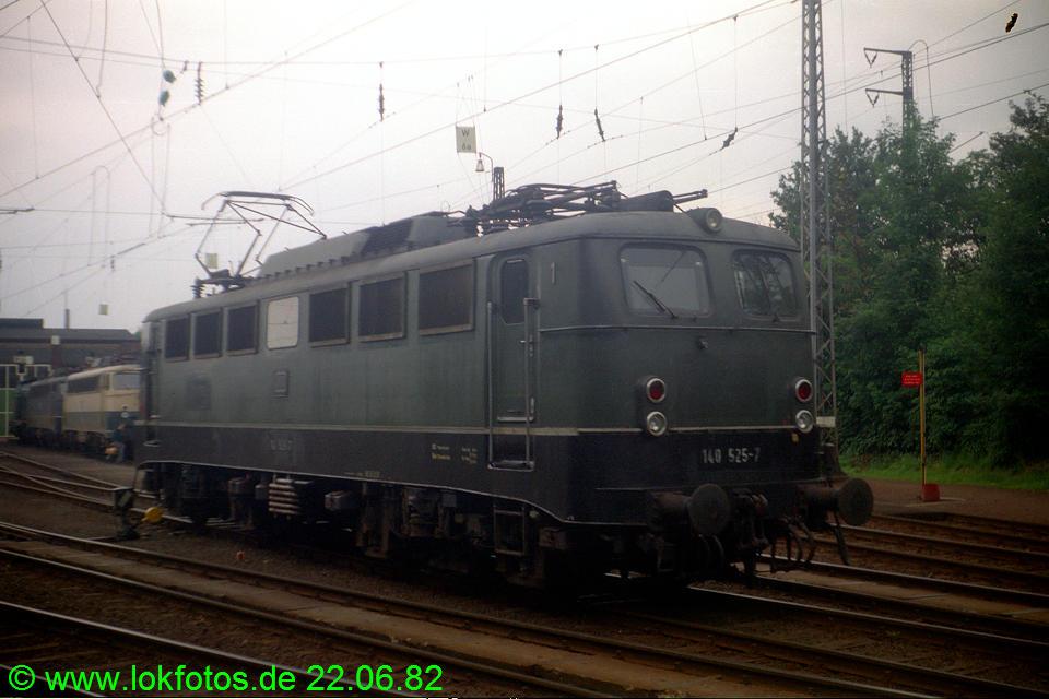 http://www.lokfotos.de/fotos/1982/0622/01290.jpg