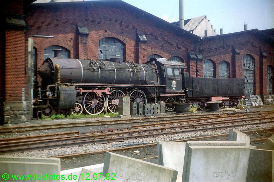 http://www.lokfotos.de/fotos/1982/0712/01342.jpg