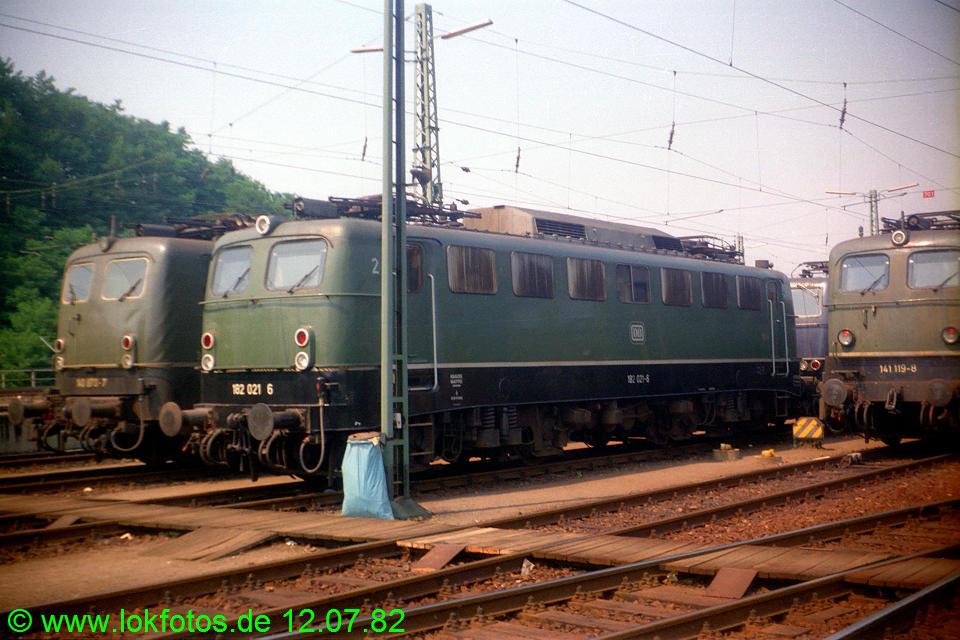 http://www.lokfotos.de/fotos/1982/0712/01354.jpg