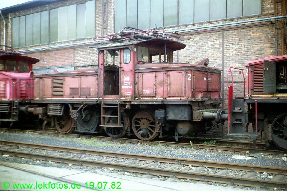 http://www.lokfotos.de/fotos/1982/0719/01448.jpg