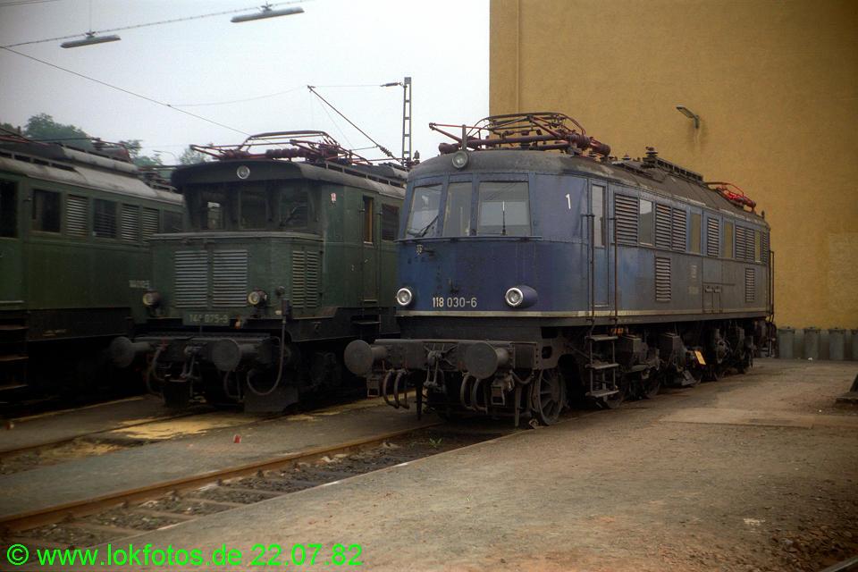 http://www.lokfotos.de/fotos/1982/0722/01485.jpg