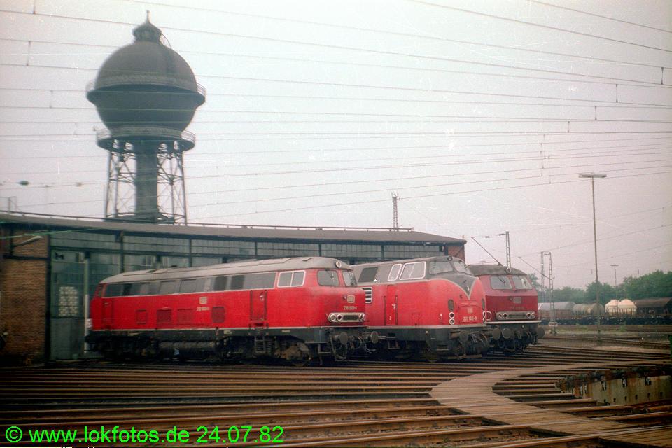 http://www.lokfotos.de/fotos/1982/0724/01530.jpg