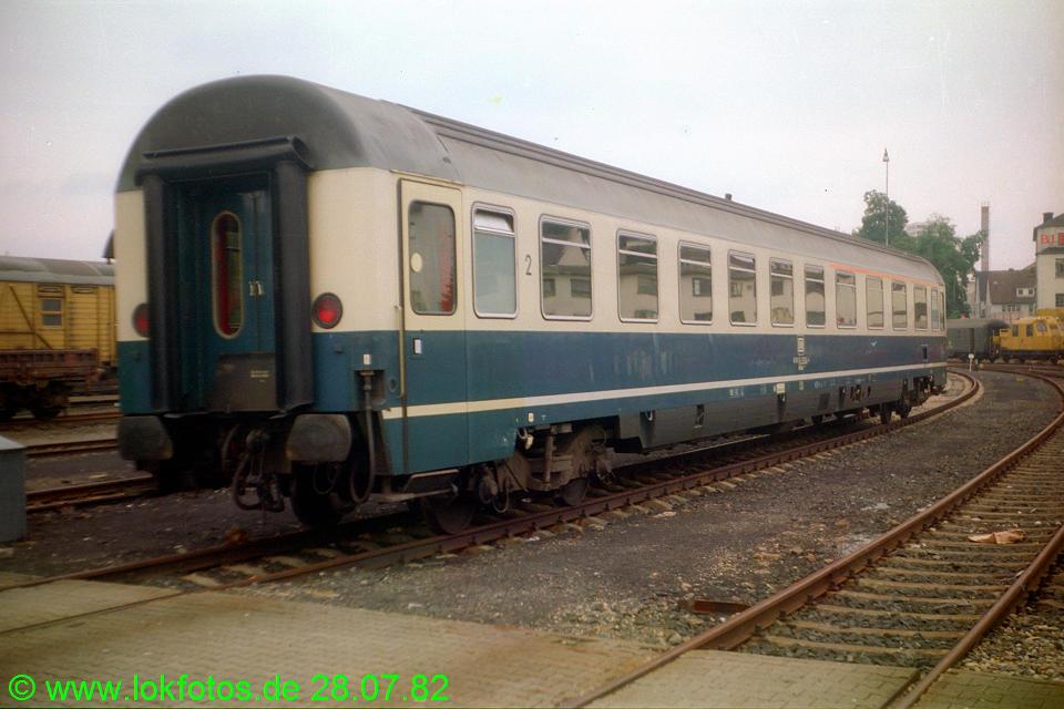 http://www.lokfotos.de/fotos/1982/0728/01547.jpg