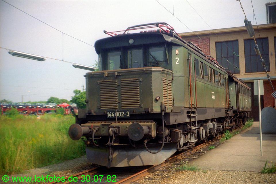 http://www.lokfotos.de/fotos/1982/0730/01579.jpg