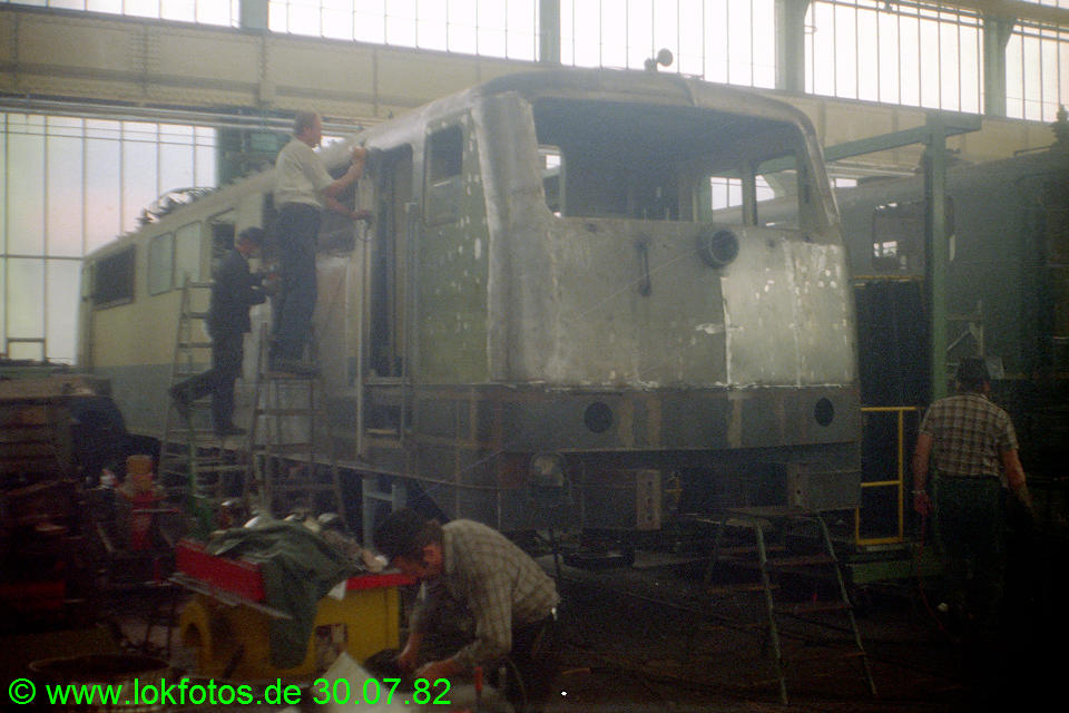 http://www.lokfotos.de/fotos/1982/0730/01582.jpg