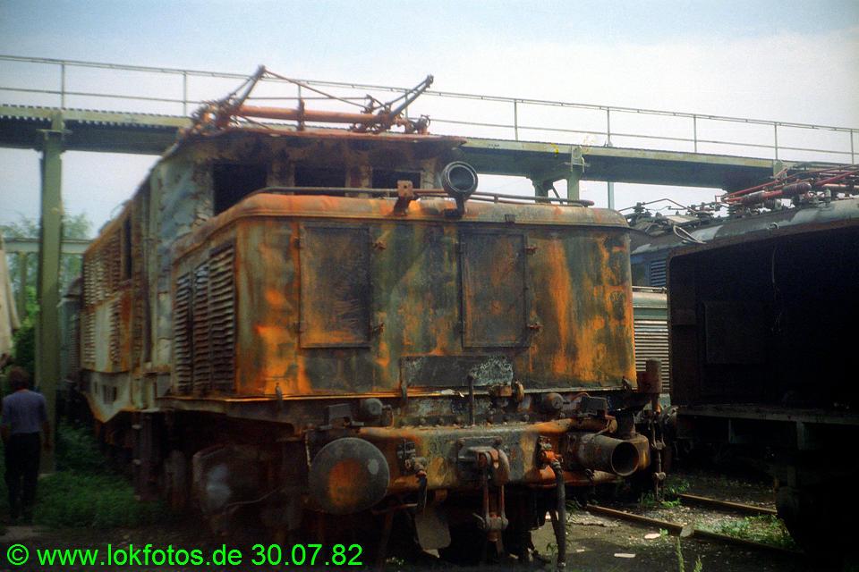 http://www.lokfotos.de/fotos/1982/0730/01584.jpg
