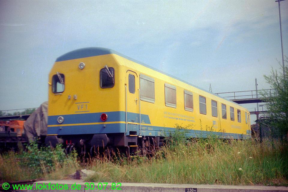http://www.lokfotos.de/fotos/1982/0730/01588.jpg