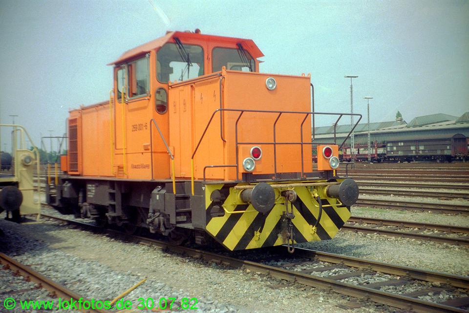 http://www.lokfotos.de/fotos/1982/0730/01589.jpg